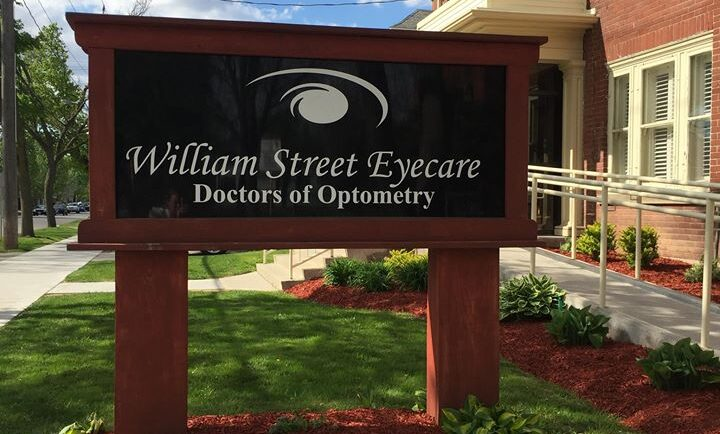 Optometrists protest provincial underfunding